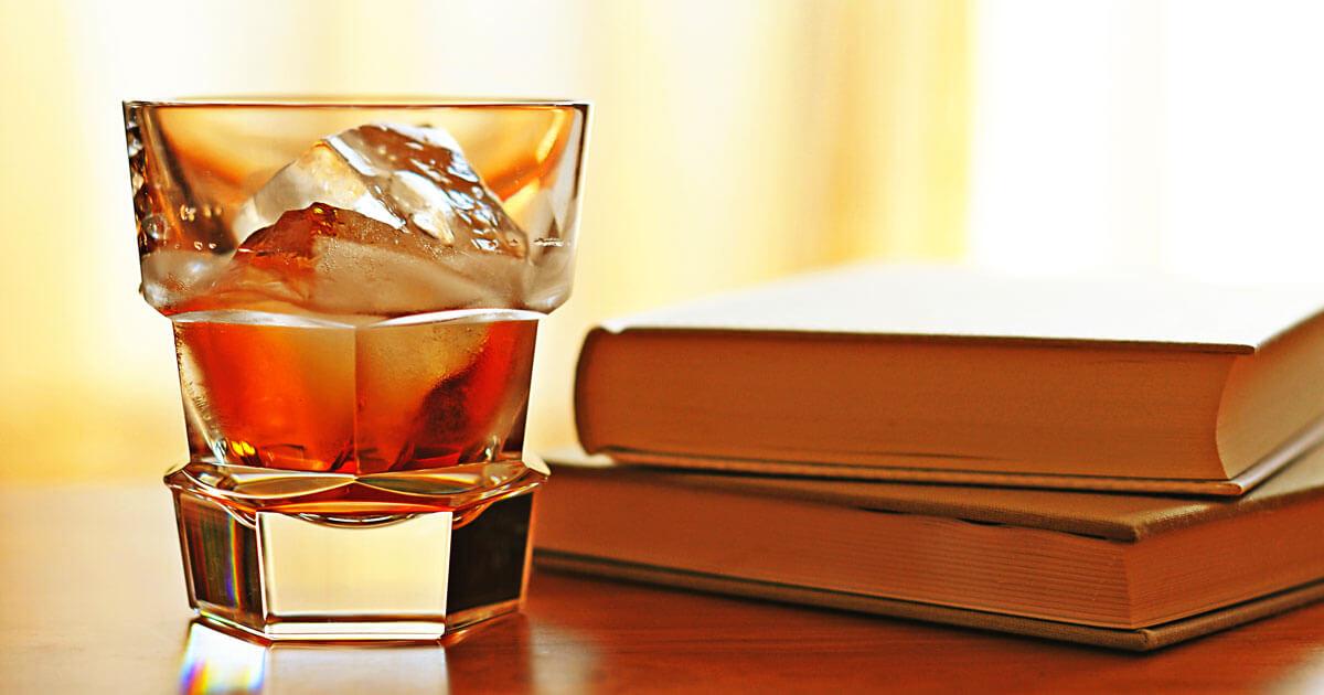 睡眠とアルコールの関係イメージ